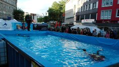 Swimmingpool in der Innenstadt